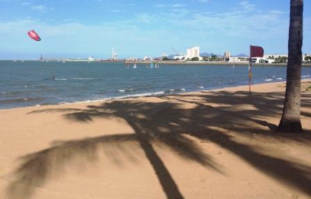 beach_run.thumb.jpg.806ab965670e29285da7