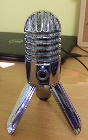 microphone.thumb.jpg.2ec7b8f727b95b56319